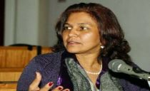 Cristina Fontes coloca cargo no Governo à disposição